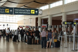 Our airport welcomes 10,000 passengers a day on average.
